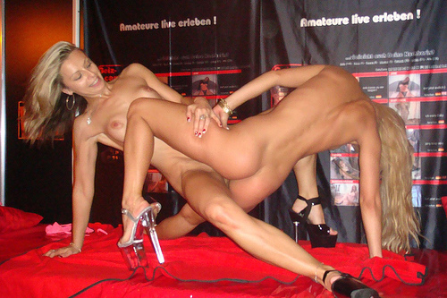 Live nude sex shows