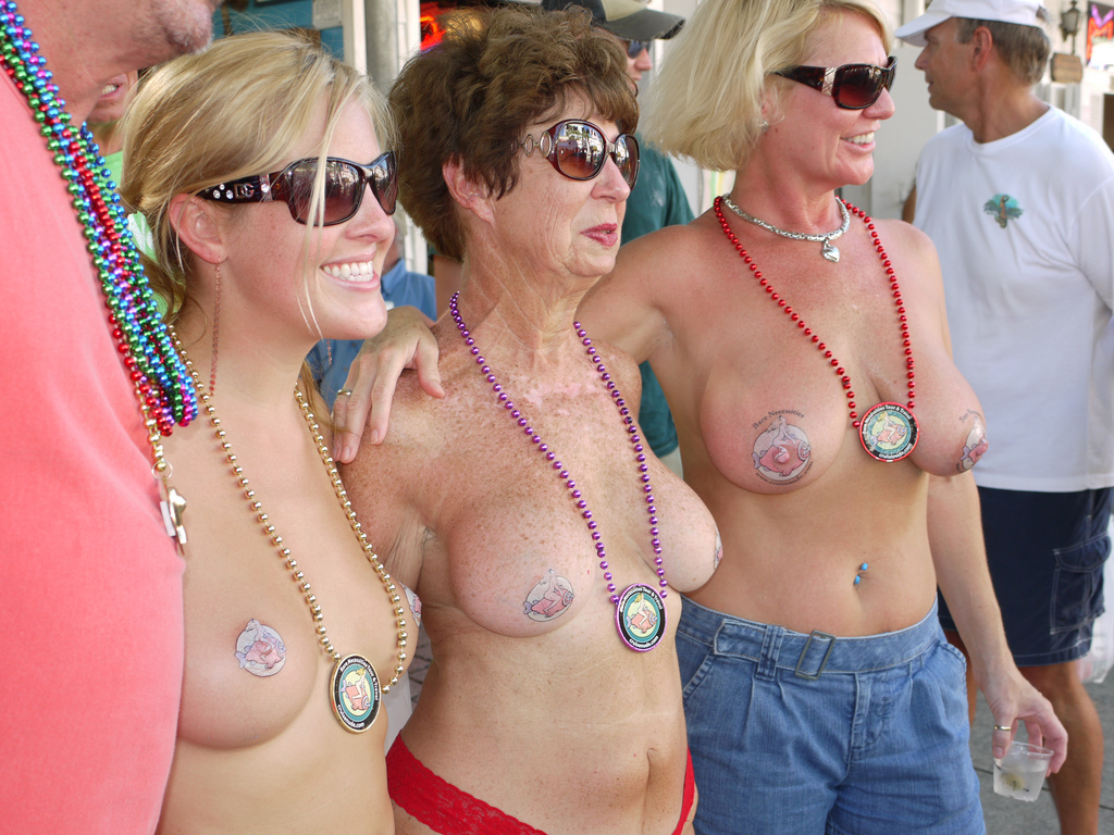 5175243807 a2aa957078 b Topless Mom Daughter Grandma
