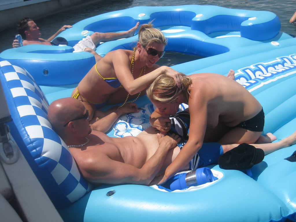 Boat Party Porn Pictures, XXX Photos, Sex Images