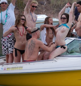 havesu topless boating party
