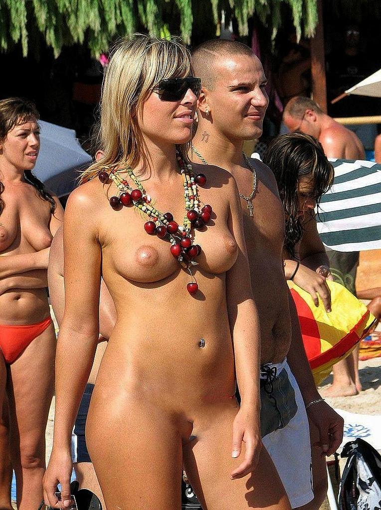 ibiza topless nude | Swingers Blog - Swinger Blog