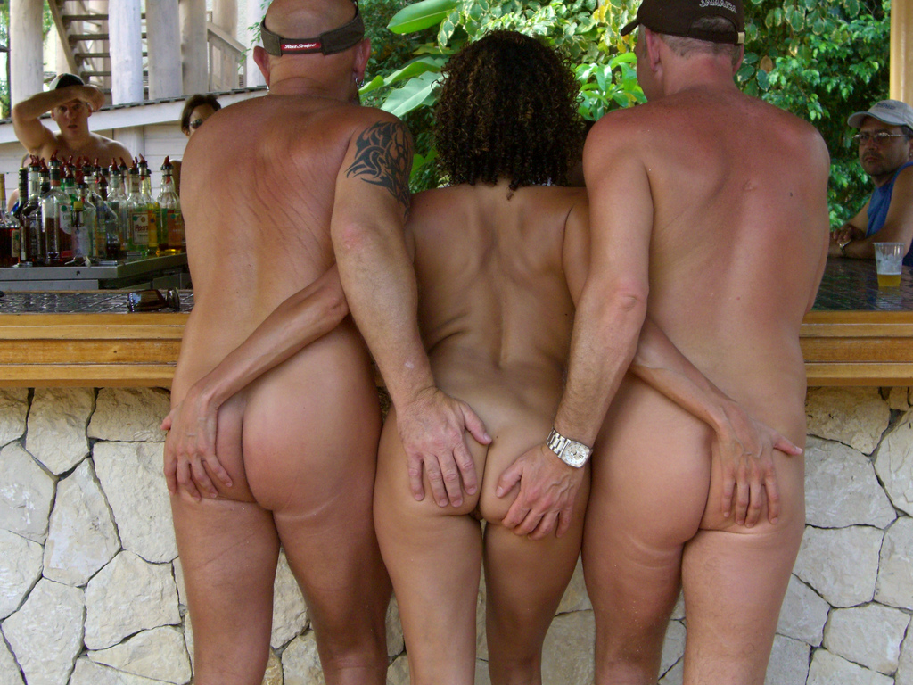 Nude sex swingers
