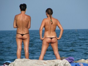 mother daughter topless thongs