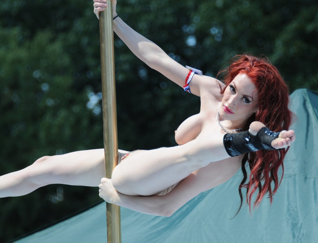 Naked sexy pole dancing