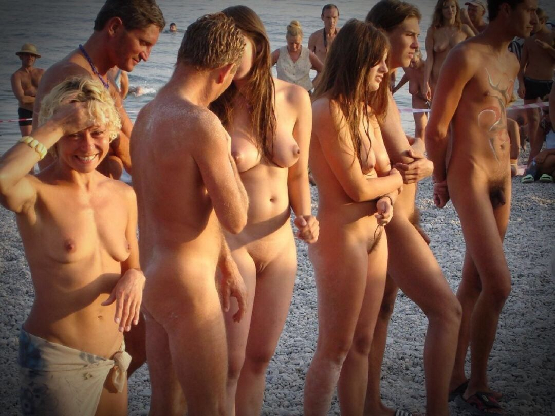nudist swingers